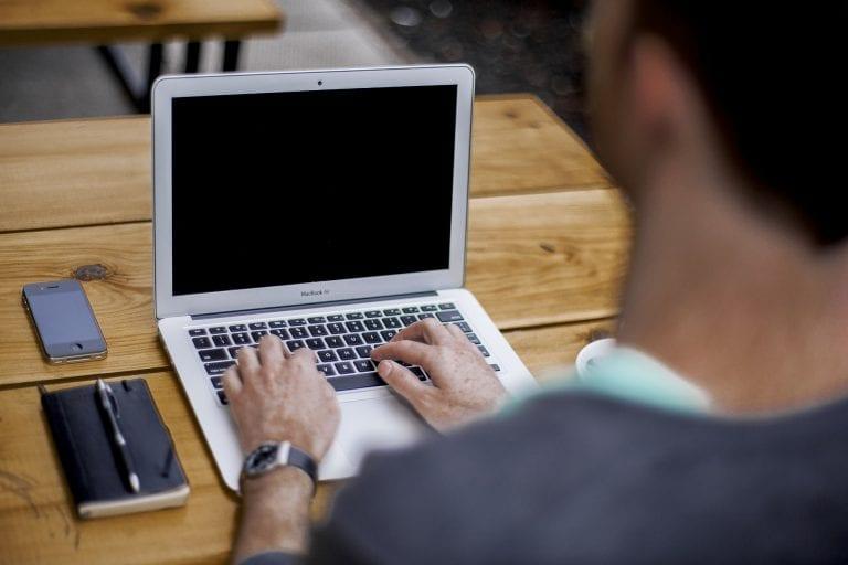 טיפים כיצד לקבוע ראיון עבודה למשרה חדשה במהלך יום העבודה