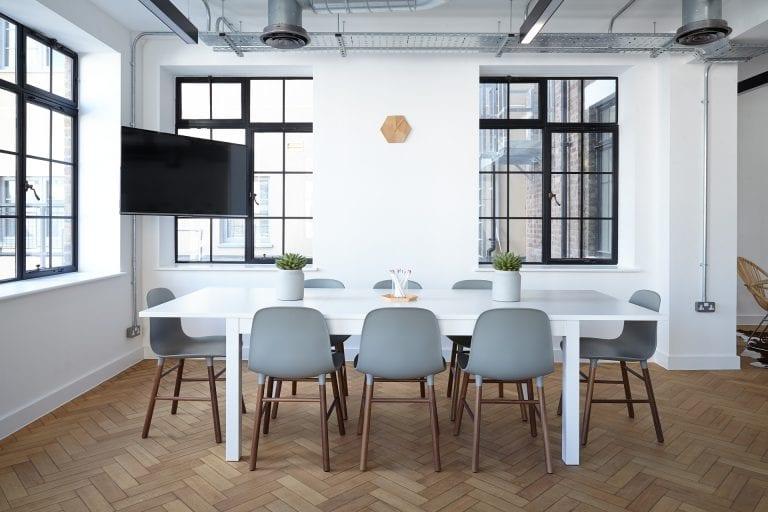 כיצד לבחור את מקום העבודה הבא? או: לפי מה לבחור בין הצעות מחברות שונות